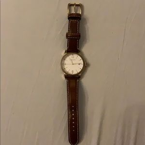 Burberry leather unisex watch